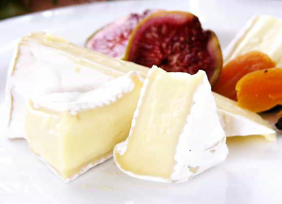 フランスを代表する白カビチーズ『ブリーエキストラ』(約125g)