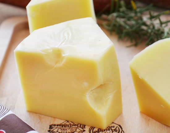 世界一大きなチーズ『エメンタール』(約150g)