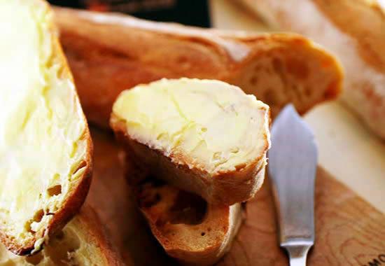 イズニーAOC発酵バター