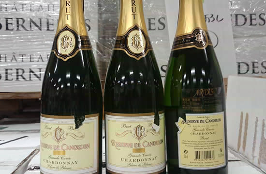 秋に向けて、ボルドーの赤をメインに。残暑に嬉しいシャンパンも1本お入れします♪ ボルドー赤ワインx4本(『日本未入荷ワイン頒布会』のもの)シャンパーニュ(白)x1本(『日本未入荷シャンパーニュ頒布会』のもの)