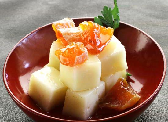 百花蜜で漬けたアジアーゴチーズと能登産ころ柿